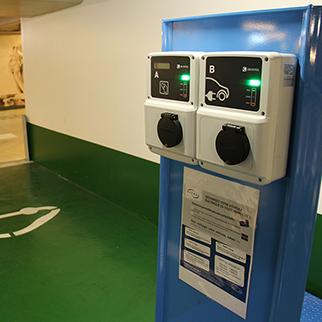 Bornes de recharge électriques parking Notre-Dame